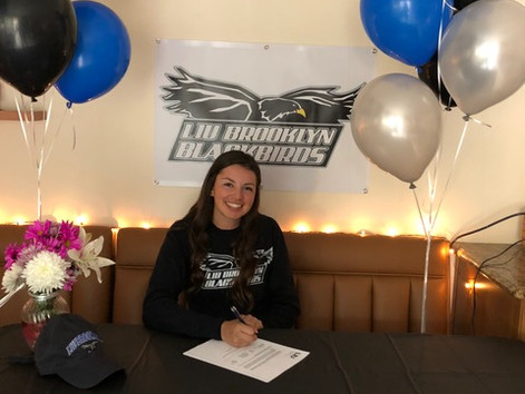 Zoe Estoppey Commits to Long Island University