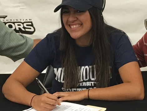 Lilly Robles signs NLI