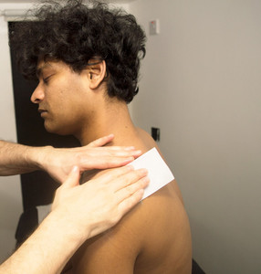 Male Waxing (shoulders & yoke)