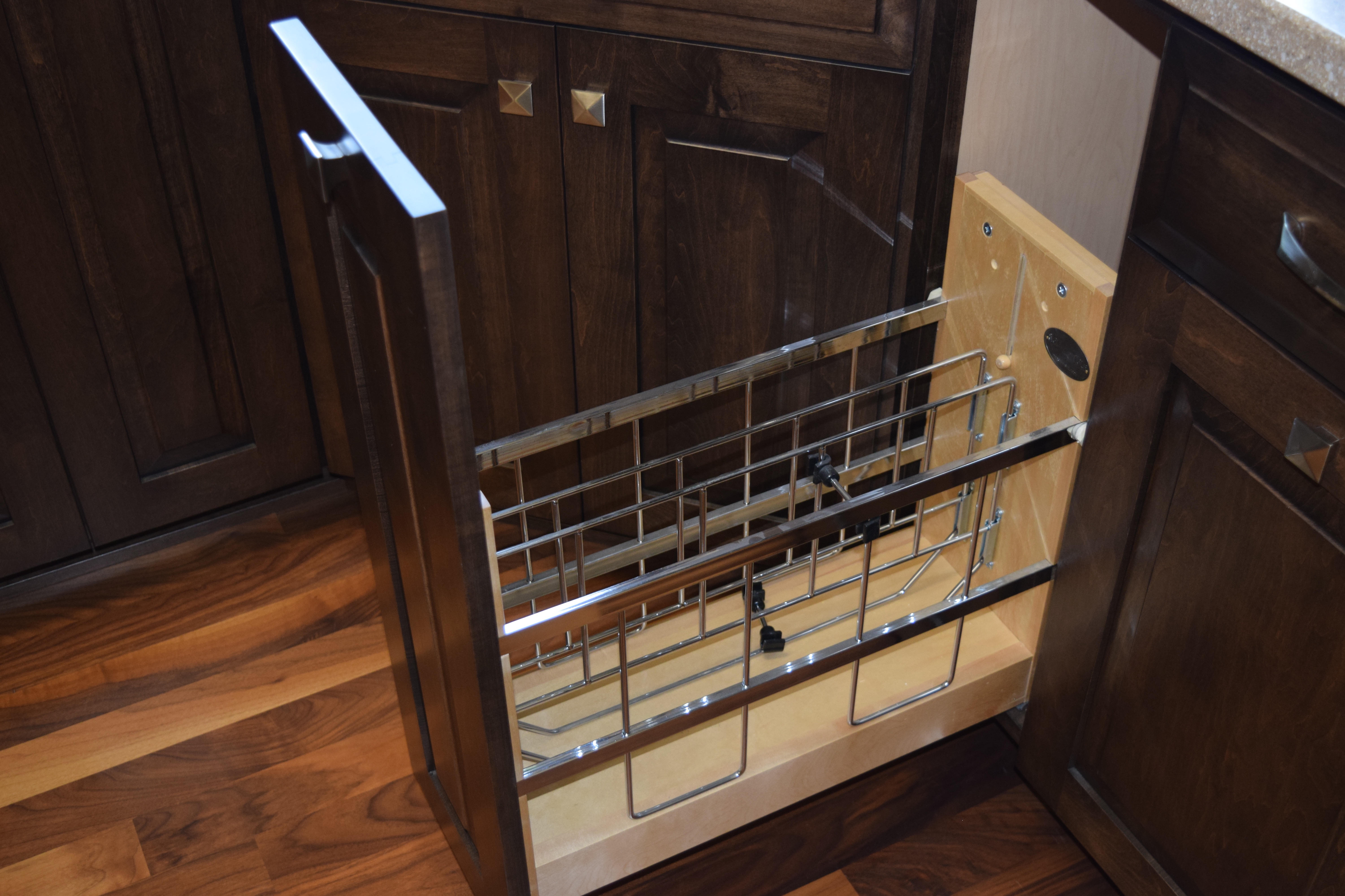 Wire Tray Organizer Pullout