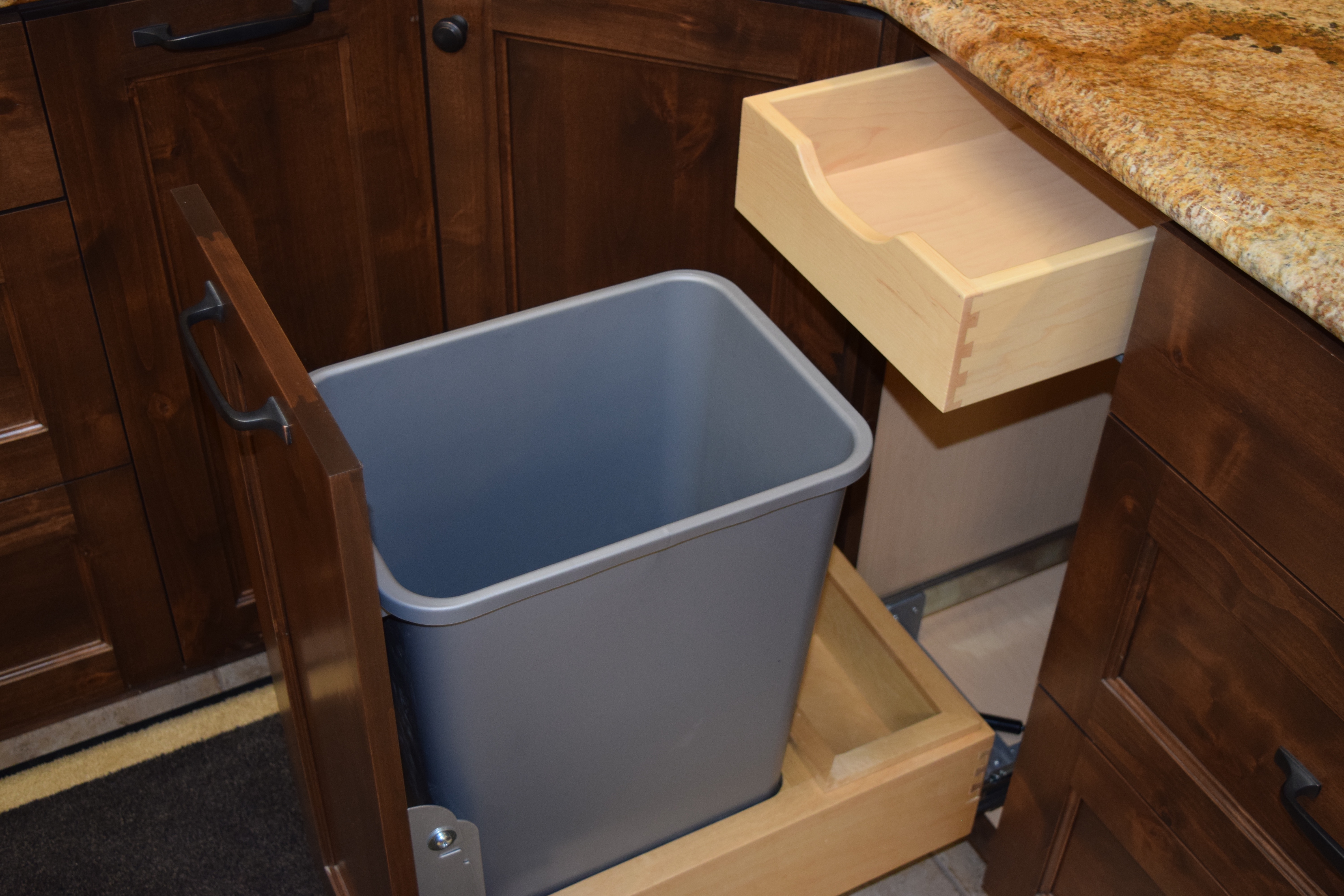 50 Quart Single Waste Pullout with W
