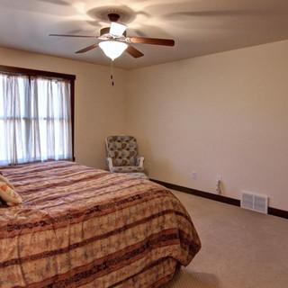 06_-_Master_Bedroom-2.jpg