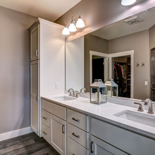 07 - Master Bathroom-1.jpg
