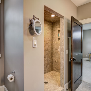 07 - Master Bathroom-2.jpg