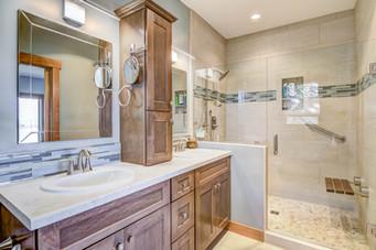 07 - Master Bathroom-1.jpg