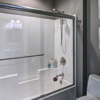 16 - Bathroom-3.jpg