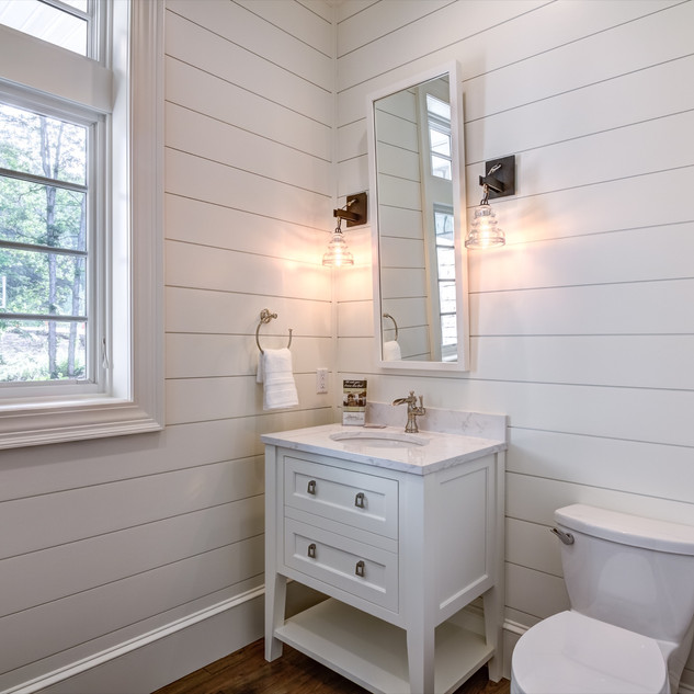 16_-_Bathroom-1.jpg