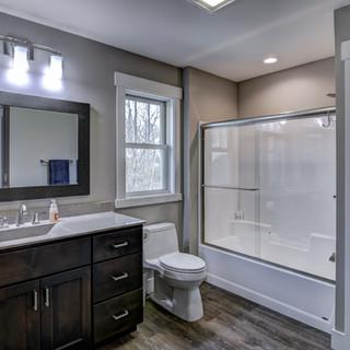 16 - Bathroom-8.jpg