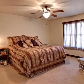 06_-_Master_Bedroom-1.jpg
