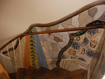 Stairs walls, Gaudi inspiration, peintures décoratives, decorative paintings, odile dardenne, odiledardenne.com, trompe-l'oeil,