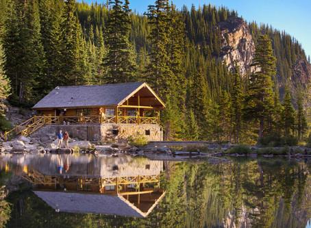 Hiking Lake Louise - The Lake Louise Agnes Tea House Trail in Banff National Park, Alberta Canada