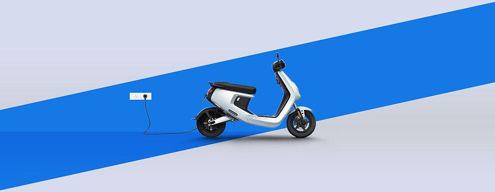 NIU MQi+ Charging.jpg