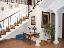 Elie room