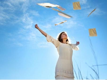 An Interview with Gwen Hustwit (an Energy Healer & a Spiritual Coach)