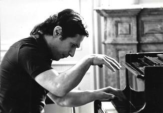 Edson_Elias_Piano_à_Vienne_joue_1.jpg