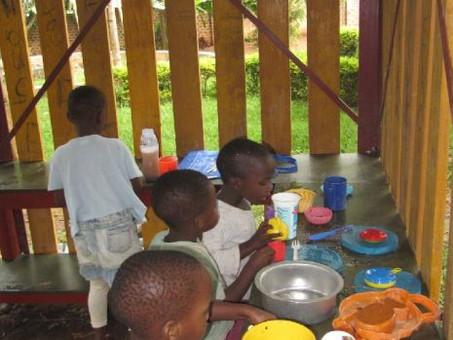 Spielküche für die Kinderhäuser