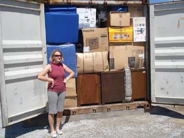 Der erste Container ist fertig gepackt...