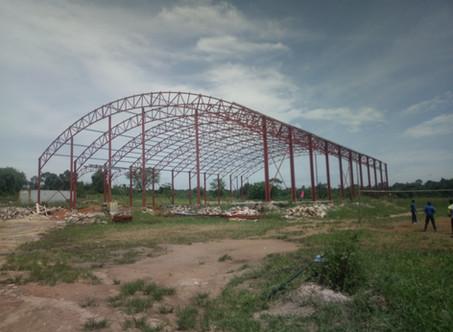 Bauprozess der Gemeinschaftshalle Nakifuma