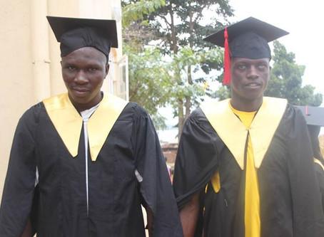 Erste Abschlussfeier der Blindenschule