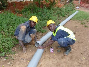 vorbereiten der Abwasserrohre