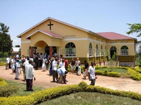"""""""Glory Church"""" Einweihung"""