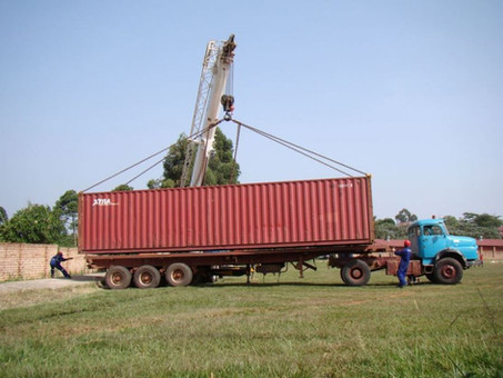 Materialspenden für Container gesucht