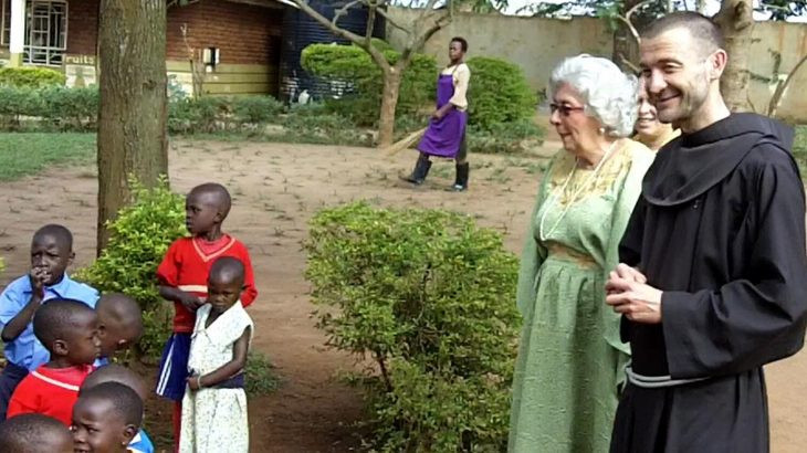 Bruder Rene mit Maria Prean in Vision for Africa, Uganda