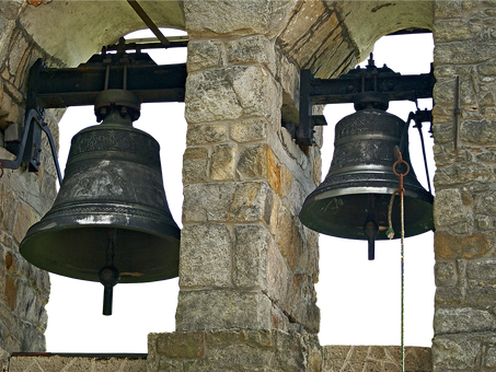 Glocken(-türme) für den Gebetsberg