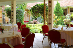 Restaurant mit Innengarten