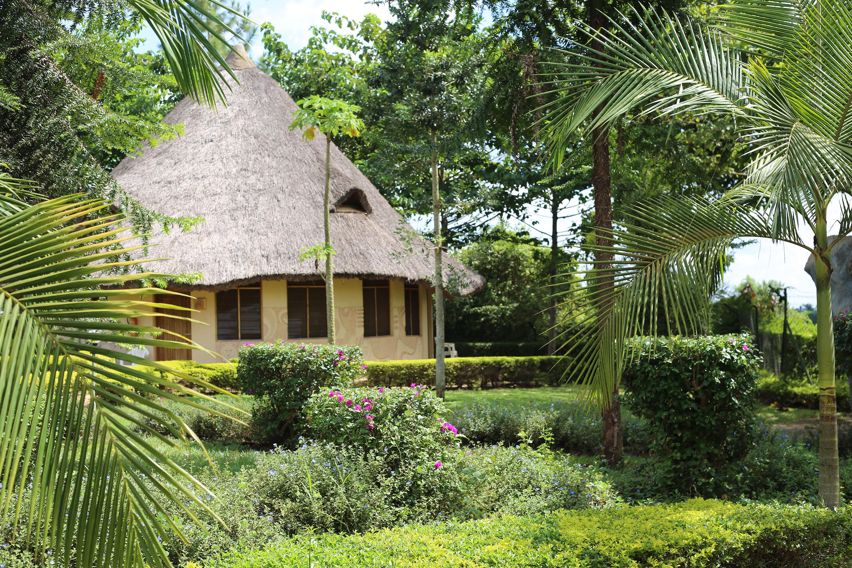 African Village Hotel (Cottages)