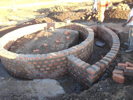 Update zum Bauprojekt: Rundhäuschen in Karamoja