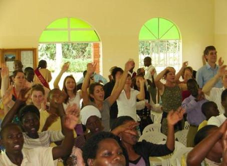 2mal Kurzbibelschule in Uganda