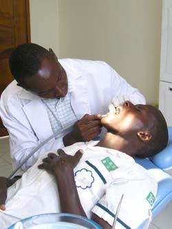 Zahnarzt in unserer Zahnklinik