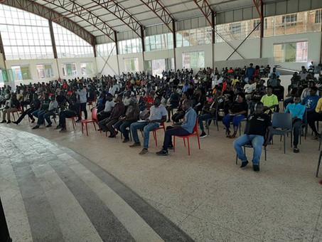 Wochenkonferenz für Jugendliche von der Straße