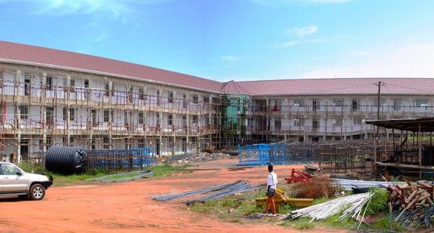 High School im Bau