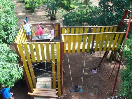 Spielplatz NEU für die Kinderhäuser