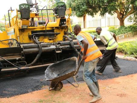 Fertigstellung der neuen Straße durch das Land of Hope