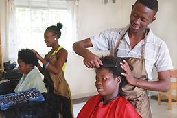 Berufsausbildung Haare, Kosmetik, Massage