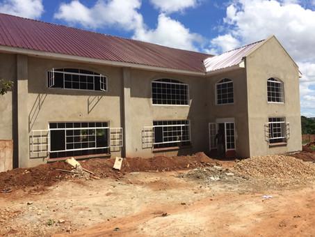 Bau des Gemeindehauses in Kikondo macht Fortschritte