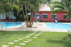 Poolbereich mit Kinderpool