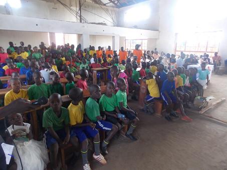 Osterfeier der Blindenschule in der neuen Kirche in Kikondo