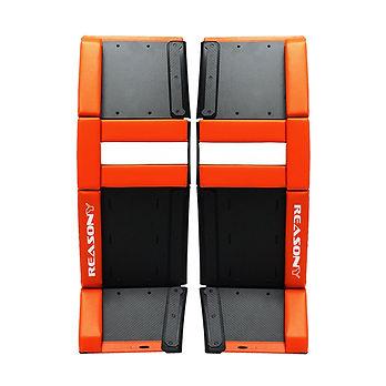 ballhockey-goalie-pads-carbon-model_web_