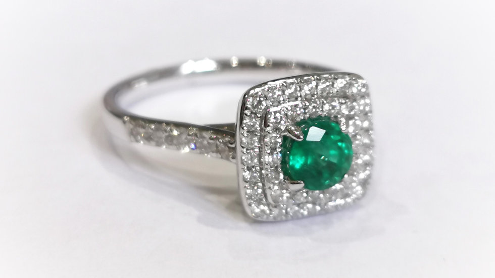 18ct White Gold Emerald and Diamond Deco Style Ring