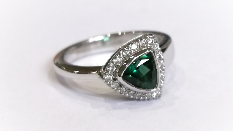 9ct White Gold Green Tourmaline and Diamond Ring