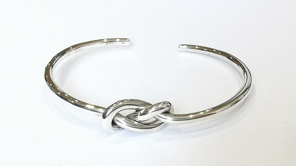 Silver Round LInfinity Knot Torque Bangle