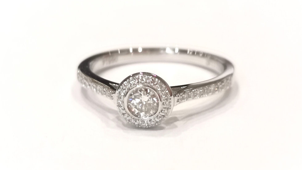 Platinum Halo Diamond Ring