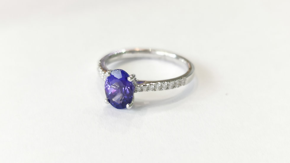 18ct White Gold Oval Cut and Tanzanite and Diamond Ring