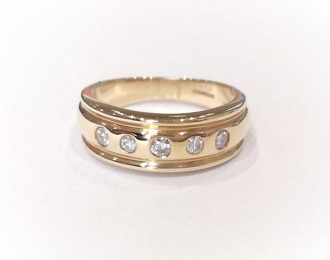18ct Yellow Gold Wide Diamond Five Stone Ring