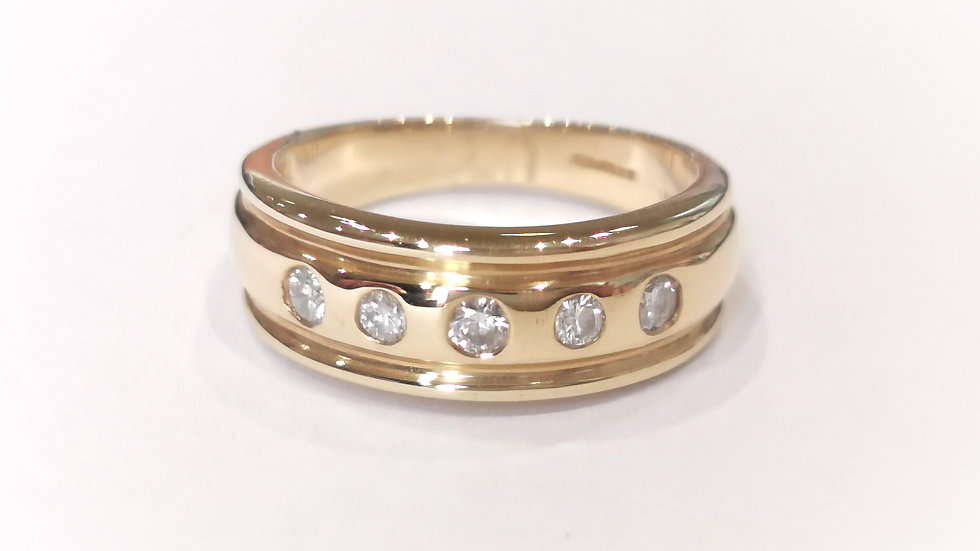 18ct Yellow Gold Wide Diamond Five Stone Ring
