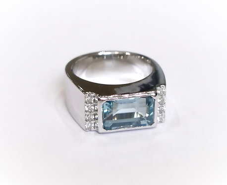 18ct White Gold Heavy Rubover Aquamarine and Diamond Signet Ring